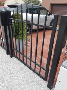 Jalgvärav metallmoodulaed Duplex Artist must RAL9005